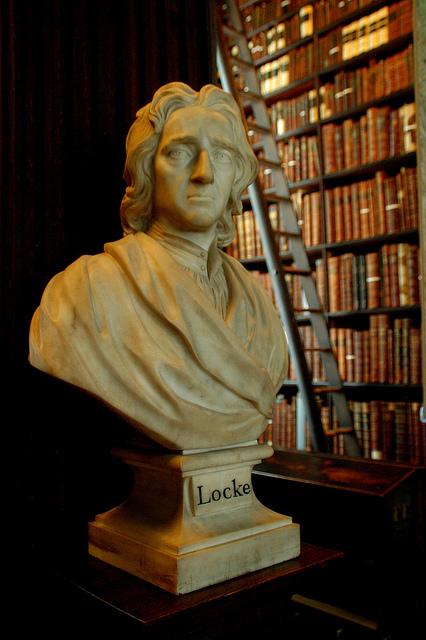 John Locke'un Trinity Kolej'deki heykeli.