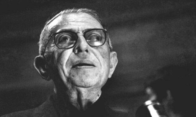 """Yakın dönemin en önemli filozoflarından birisi olan Jean-Paul Sartre şöyle konuşmuştur: """"İnsan kendisinden ne yaratırsa ondan ibarettir."""""""