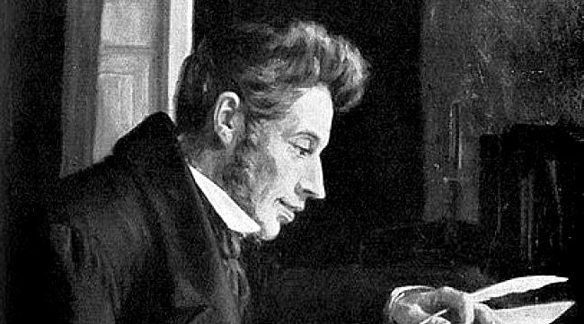 Søren Kierkegaard, varoluşçuluk anlayışını benimseyen ilk filozof olarak kabul edilmektedir.