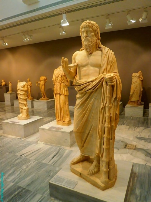 Tyanalı Apollonios (Apollonius)