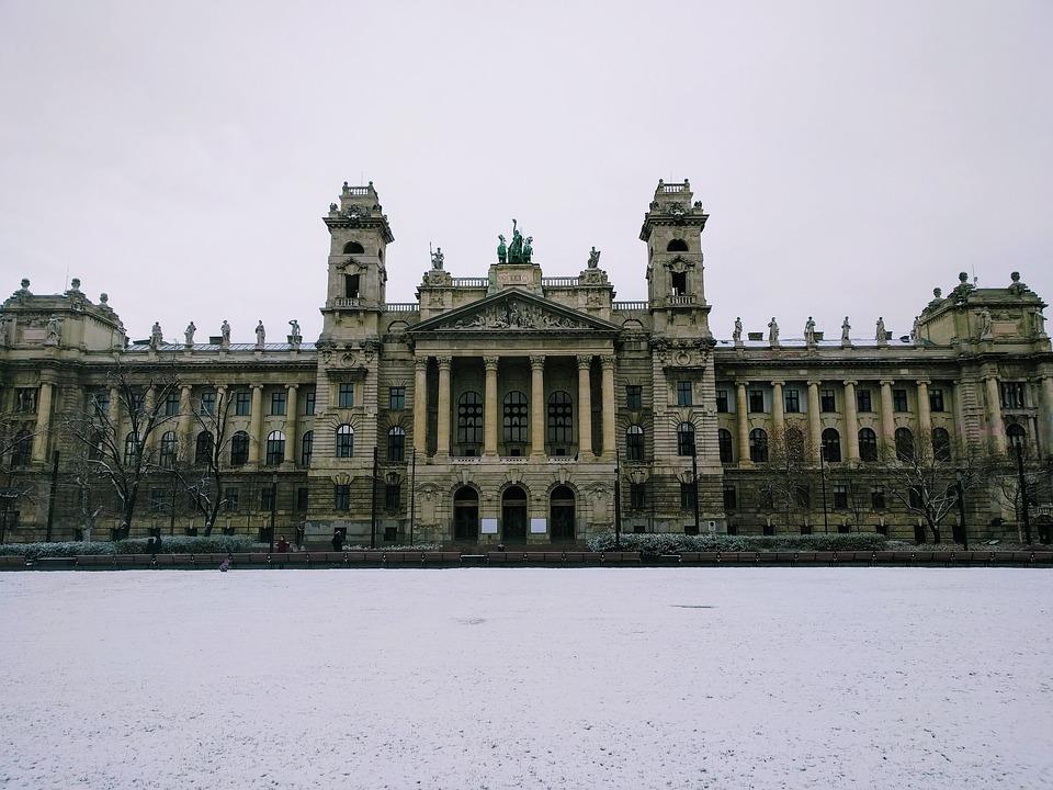 Eklektik sanat anlayışına bir örnek: Budapeşte Müzesi