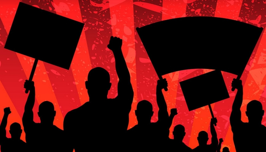 Demokrasinin gereği olan farklılıklara saygı, toplumsal çözülmeyi önleyici etkide bulunur.