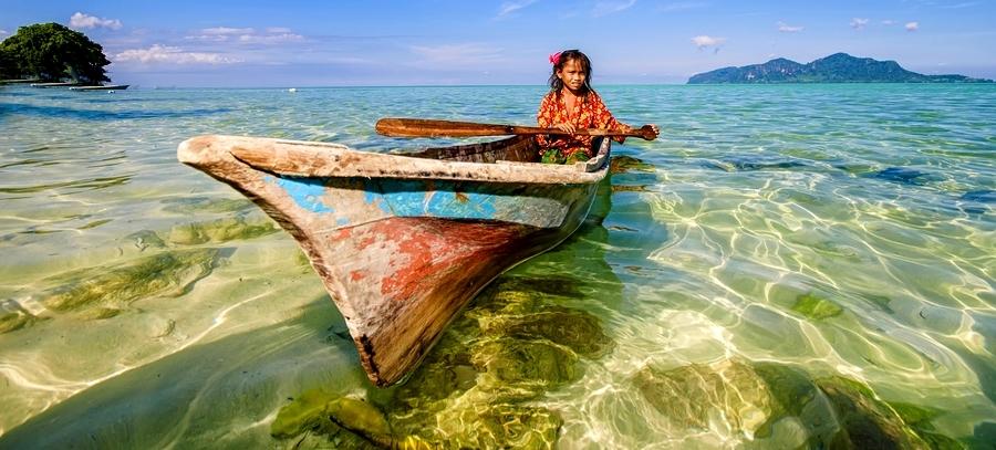 Tahtanın suda batmadığını gündelik deneyimle gözlemleyen insanoğlu, bu bilgiden yola çıkarak sandallar üretmiştir.