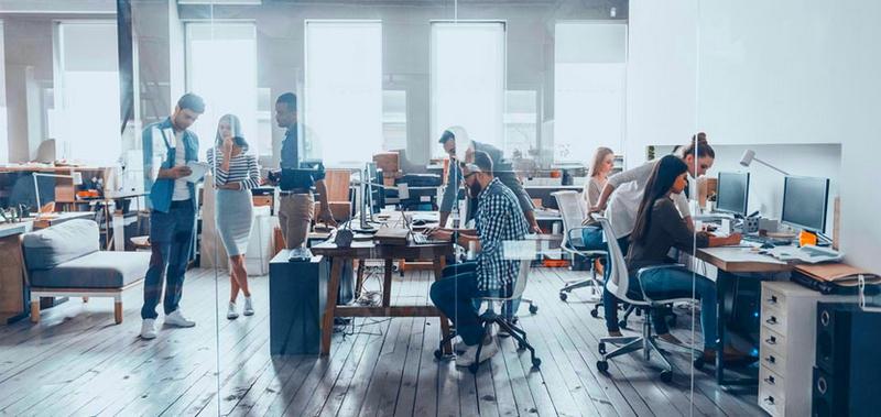Şirket çalışanları, ikincil gruplara bir örnek teşkil etmektedir.